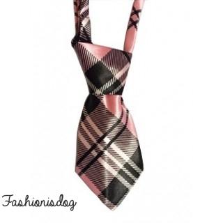 Cravate écossaise rose